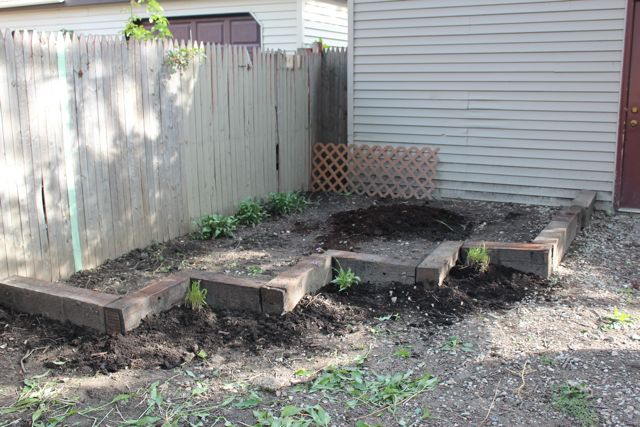 Landscaping Ties Nanaimo : Don t grow edible plants in a railroad tie garden the ties