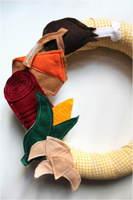 How-to: Felt Thanksgiving Wreath
