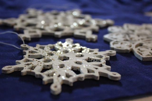 Scroll-Sawed Wood Snowflake Ornaments