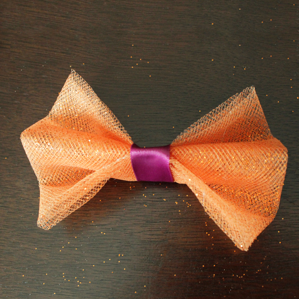 How-to: Halloween Doggie Bow Tie | HandsOccupied.com