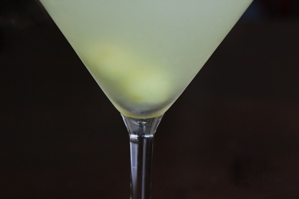 How-to: Halloween Surprise Cocktail | HandsOccupied.com