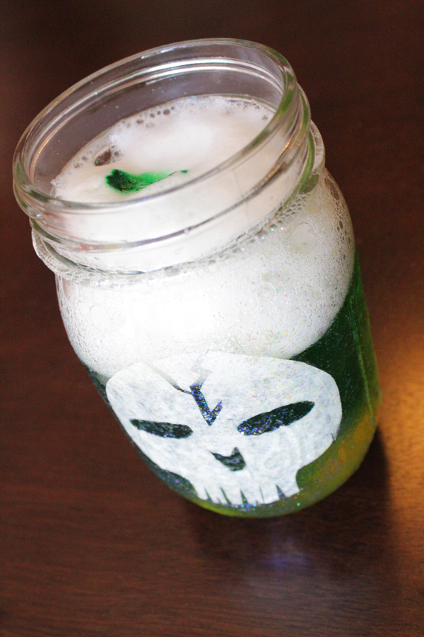 How-to: Halloween Party Jars | HandsOccupied.com