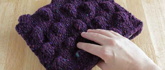 How-to: Knit Puffball Clutch