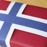 How-to: Scandinavian Flag Gift Wrap