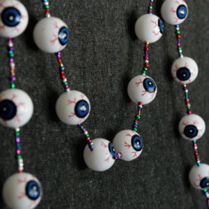 How-to: Spooky Eyeball Garland