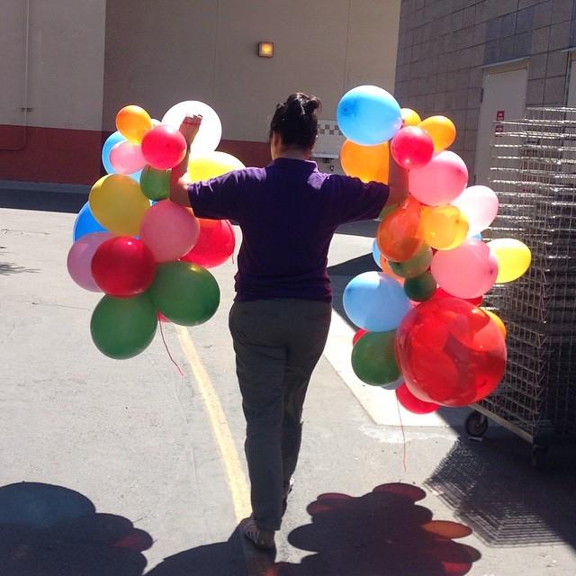 @apriljanye's balloon garland