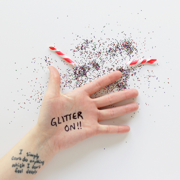 Easy DIY Glitter Bombs