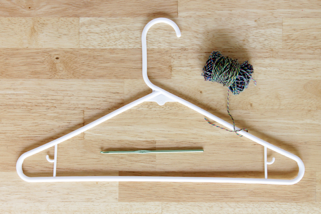 Easy No Slip Hangers - Free Crochet Pattern - handsoccupied.com
