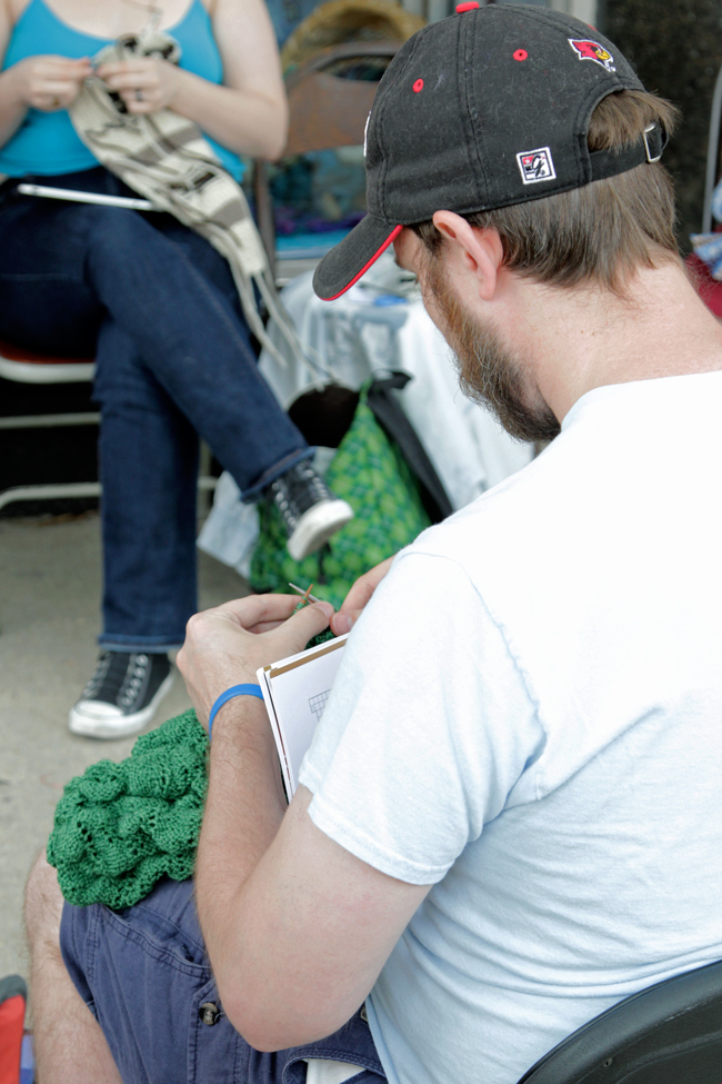 Knitting In Public : Worldwide knit in public week
