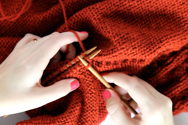 How to Knit a Three Needle Bind Off at Hands Occupied