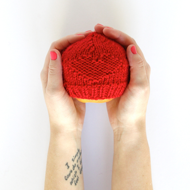 Red Hats for Preemies - Click through for the free pattern & donate a hat to help raise awareness about congenital heart defects in newborns. | hands occupied.com.