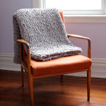 Click through for a free pattern for a Bulky Knit Throw (or rug!)