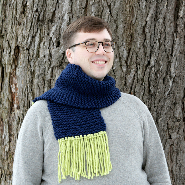 The Newbie Fringe Scarf - A free beginner pattern!