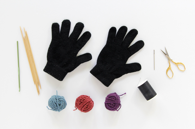 Easy DIY touch screen gloves made with conductive yarn thimbles! Click through for the free knitting and crochet patterns, plus a tutorial on how to assemble your gloves.