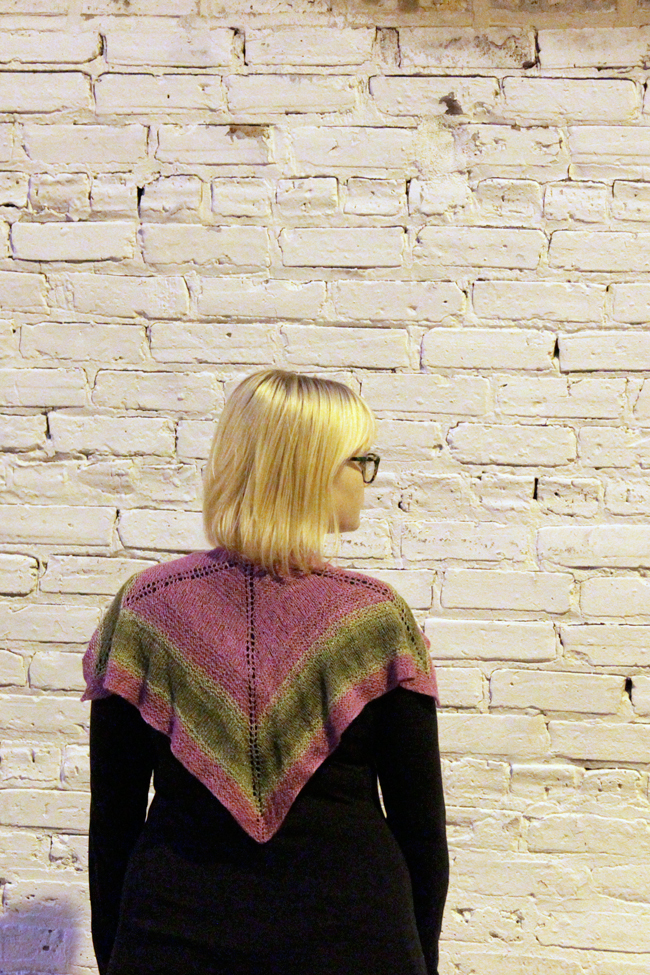 The Top Notched Shawl - Get your hands on this fun, free & easy pattern for a square knit shawl, perfect to show off those fancy, one-skein yarns you haven't quite found the right use for!