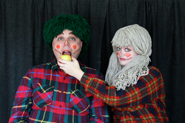 Easy scarecrow couples costume DIY