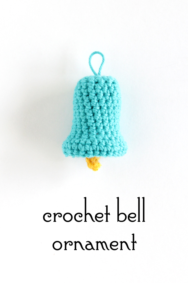 Crochet this sweet little bell ornament for your Christmas tree! - Click through for the free, quick & easy pattern!