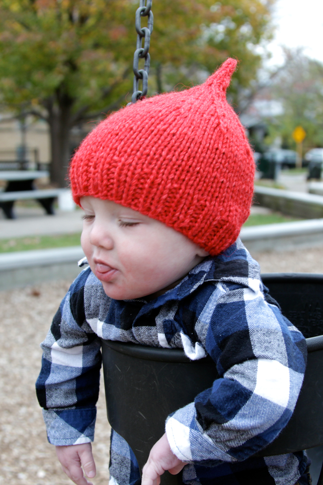 Knit red hats to help raise awareness about preemie heart health with the free Declan Hat pattern!