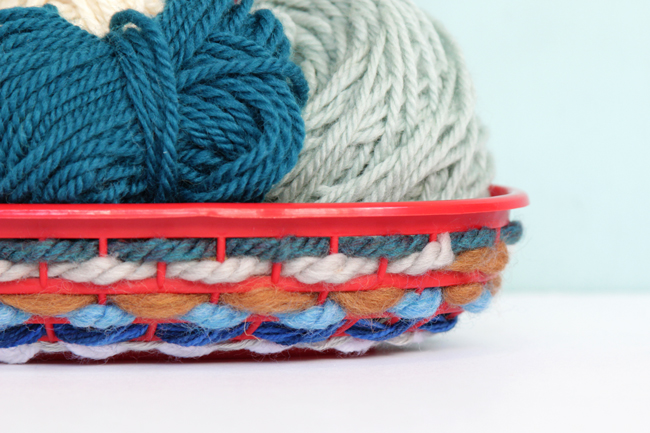 This easy weaving project puts your best yarn scraps to good use! Quick, easy and oh-so-adorable, you can crank out a set of woven burger baskets for any summer soiree!