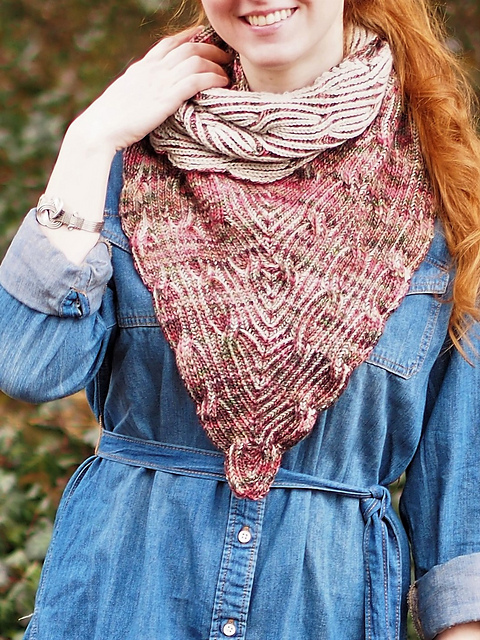 Overture Cowl by Vanessa Ewing