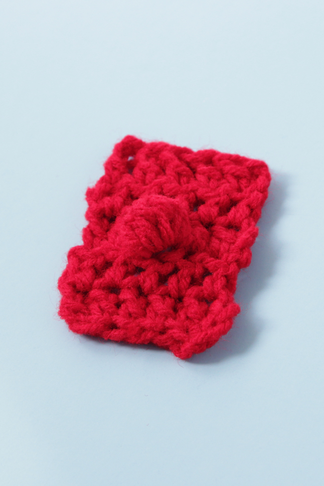 The Bobble Stitch is great for adding texture and dimension to your crochet! Learn how to work double crochet bobbles and triple crochet bobbles.